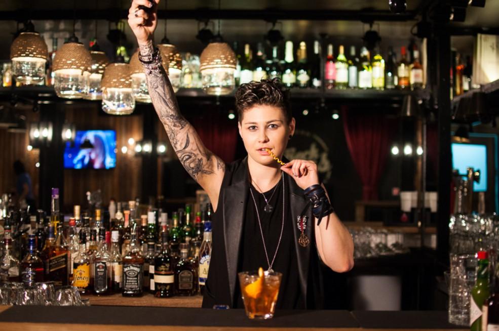 Работа в баре для девушек работа по вемкам в ельня